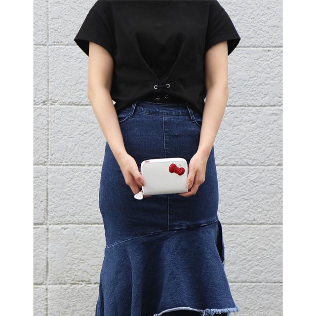 【HELLO KITTY】ハローキティーの二つ折り財布