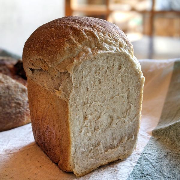 自家製酵母でつくる4種のライ麦パンセット 一歩ベーカリー 送料込(沖縄別途240円)