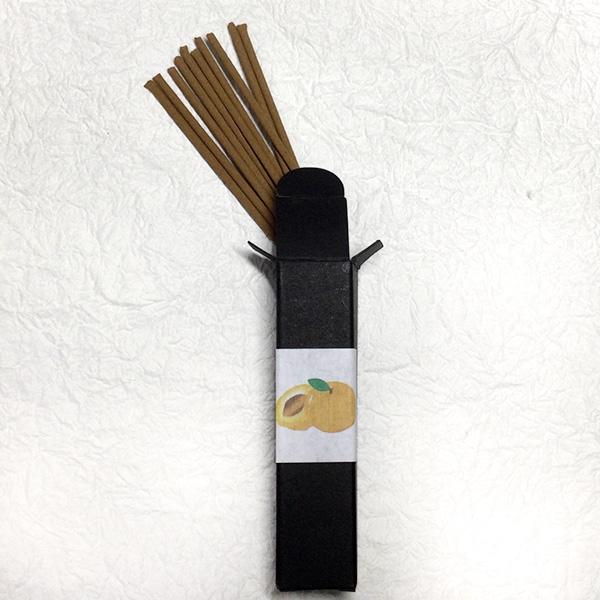 あんずの香りセット(線香・匂い袋・文香) 送料込(沖縄別途240円)