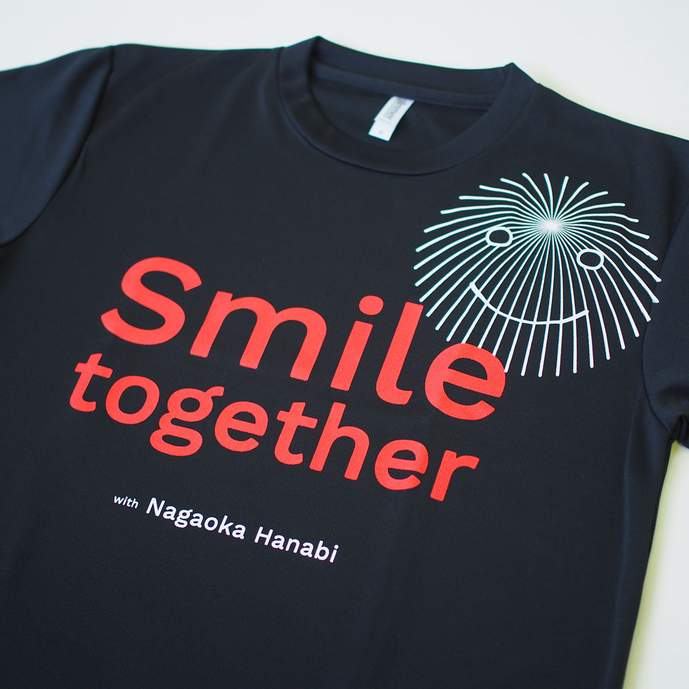 Smile Together Tシャツ