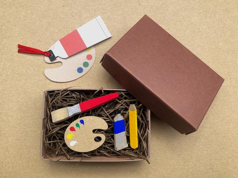 紙のブローチボックスギフトセット(画材セット)