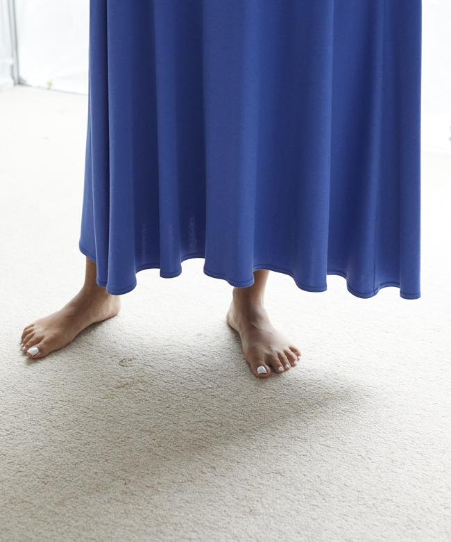 【オンライン先行販売】KOバックスリットワンピース ブルー