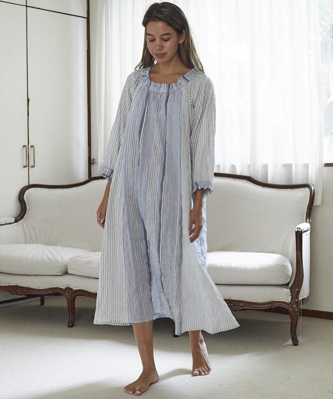 ストライプギャザードレス