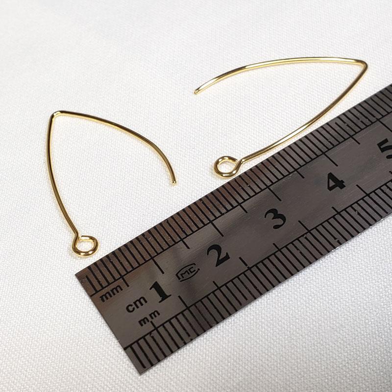 高品質なゴールドのステンレス製ピアスフックV字 10個 ◇ ワイヤータイプ 31mm 線径 0.7mm A000407