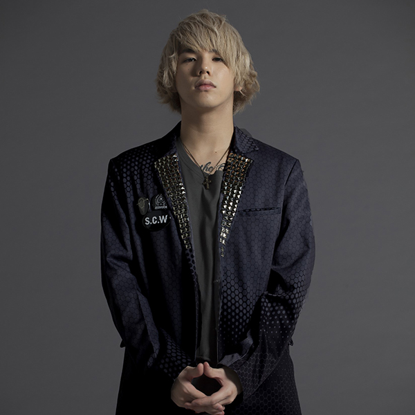 Hiro(MY FIRST STORY)×Zephyren テーラードジャケット