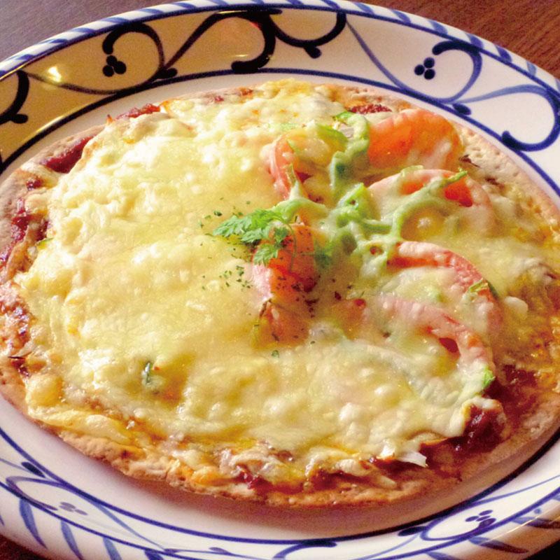 野菜たっぷりピザ