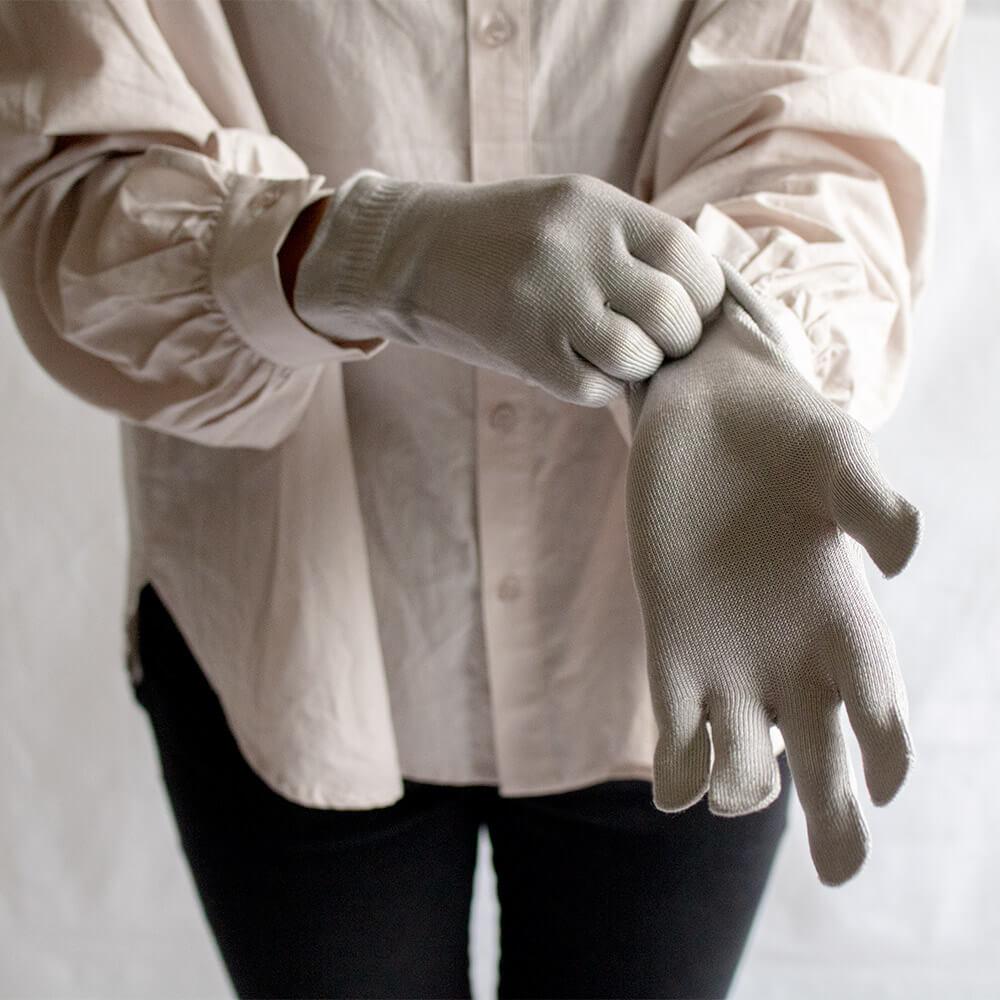 シルク手袋(ぴったりタイプ)伸縮糸使用タイプ