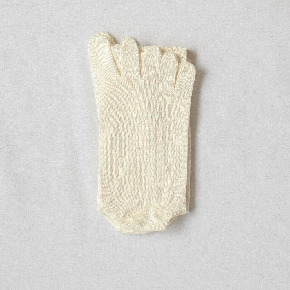 【メール便送料無料】 タイ シルク100%5本指ソックス かかと付き 23〜25cm 日本製 薄手 インナーソックス natural sunny