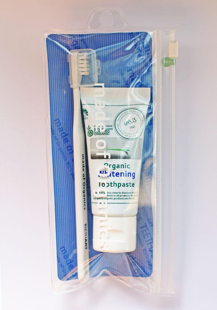 白い歯を実現するオーガニック・ホワイトニングトゥースペースト  (メイドオブオーガニクス)
