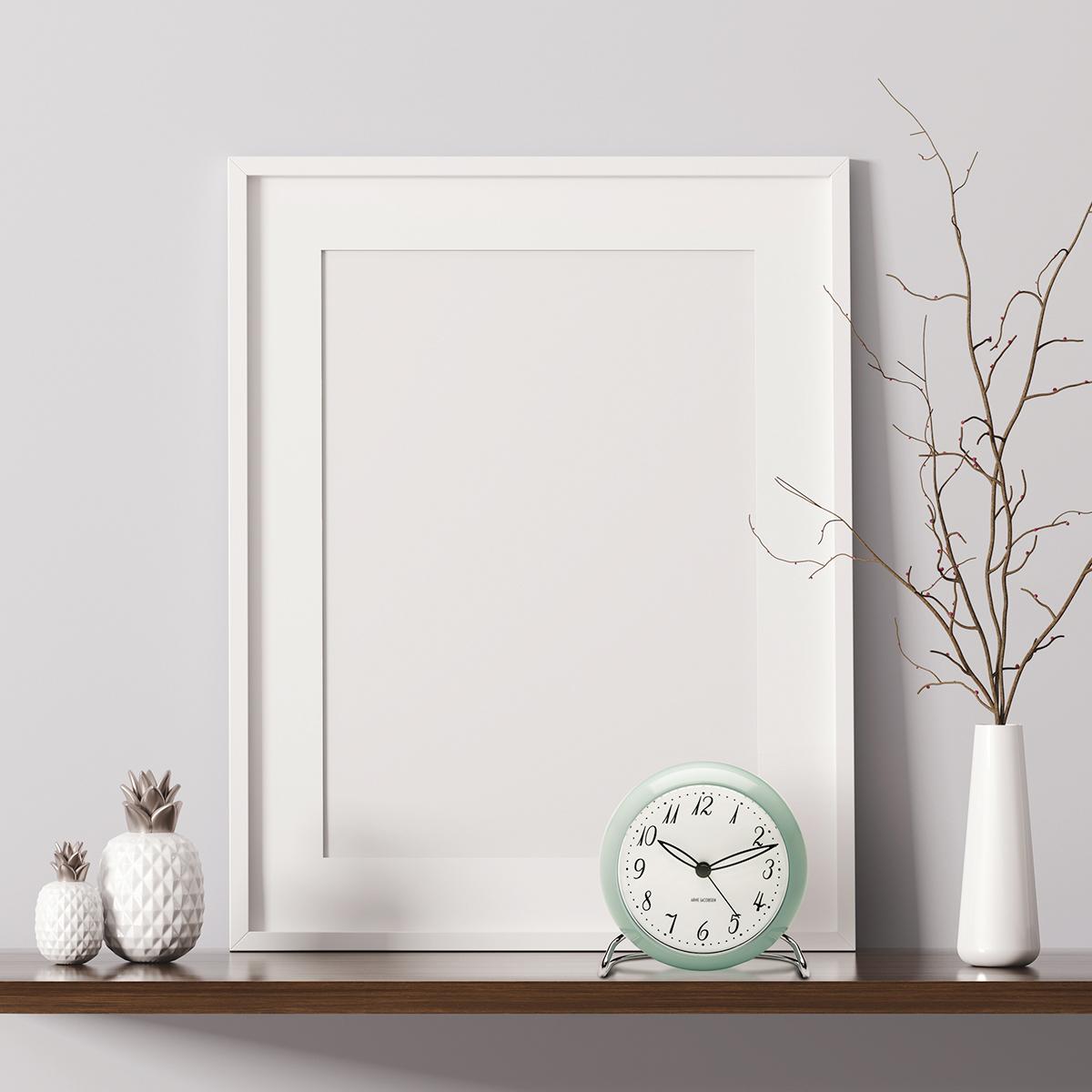 アルネヤコブセン ARNE JACOBSEN 限定カラー 時計 置き時計 テーブルクロック 北欧 LK LED灯 アラーム 12cm 43681