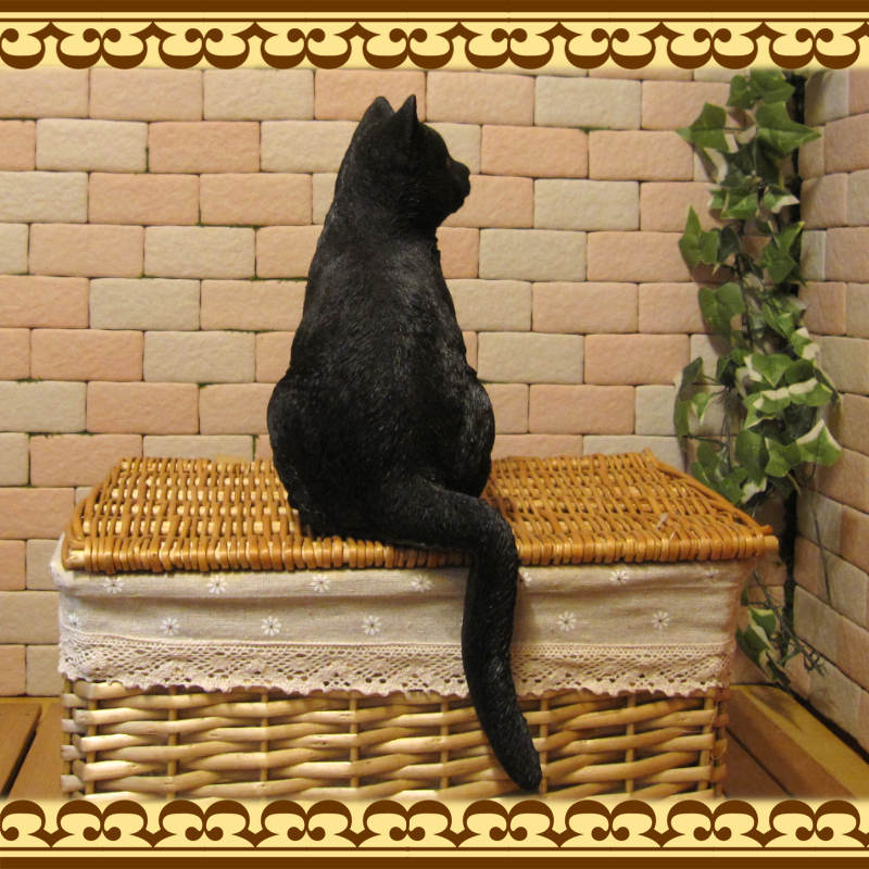 リアルなネコの置物 お座りキャット ブラック くろねこのフィギュア 黒猫オブジェ お部屋のインテリアにお庭のオーナメントとして