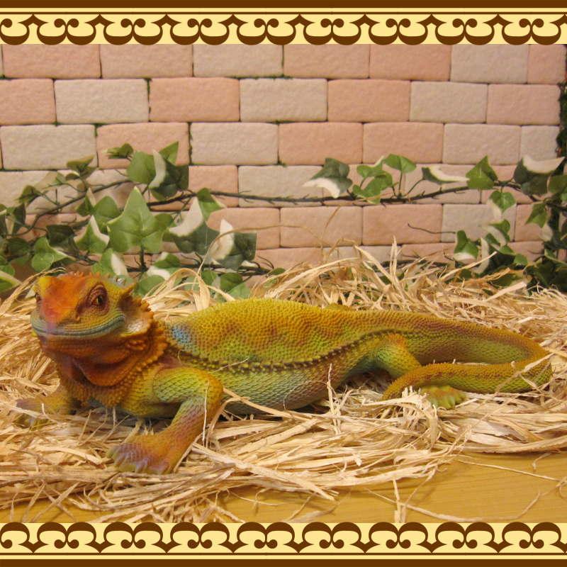 リアルなトカゲの置物 イグアナ マルチカラー 爬虫類 フィギュア ガーデニング オーナメント インテリア 玄関先