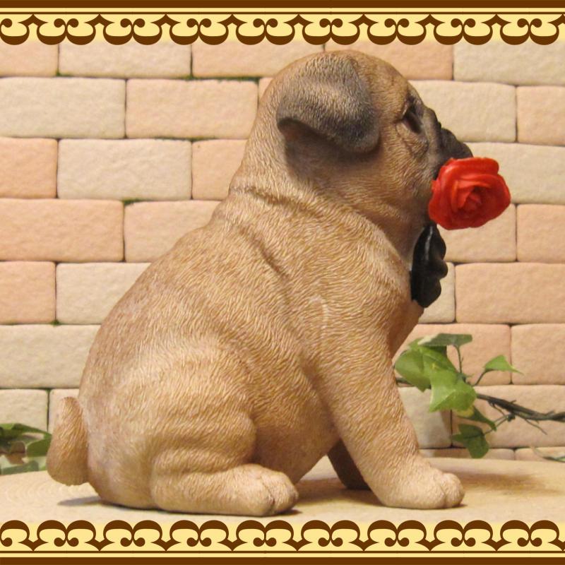 犬の置物 パグ ダンディードッグ パグ いぬ イヌ 動物オブジェ ガーデンオーナメント 装飾 フィギュア モチーフ インテリア 玄関先 庭 雑貨