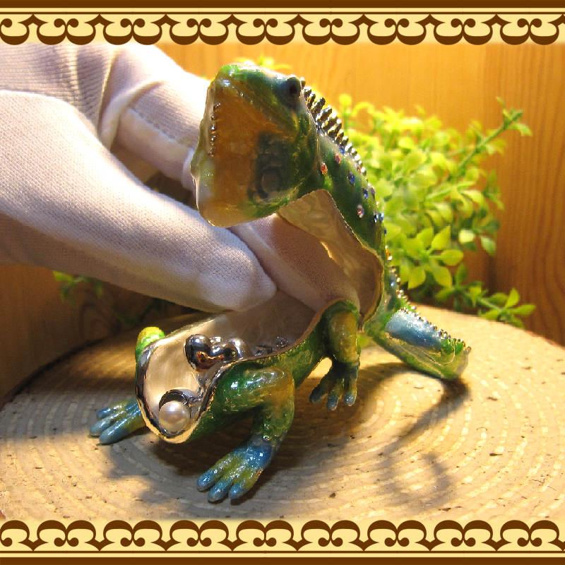 トカゲの置物 イグアナ 小物入れ 爬虫類 とかげ ジュエリーケース 宝石箱 トリケンボックス インテリア