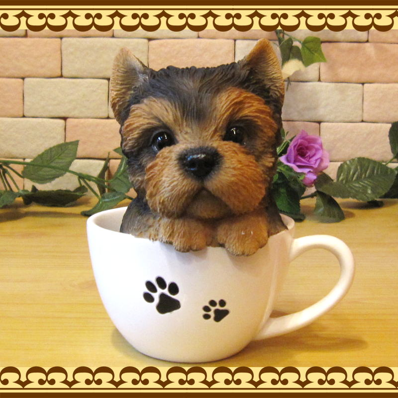 リアルな犬の置物 ヨークシャーテリア ティーカップドッグ Aタイプ◇お部屋のインテリアにお庭のオーナメントとしても♪  子いぬのフィギア ガーデニング オブジェ 玄関先