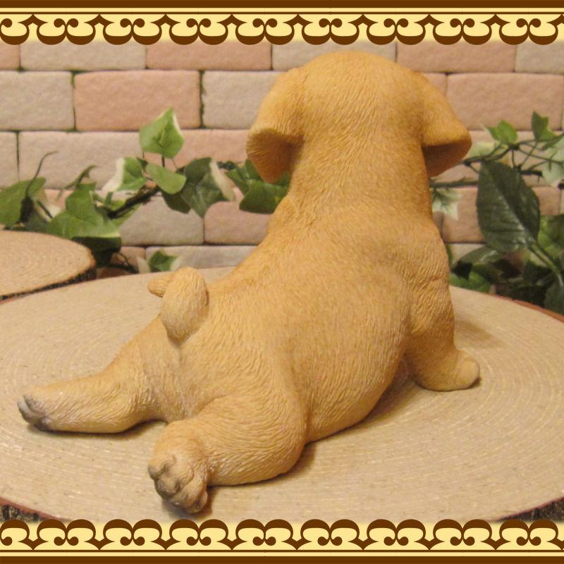 犬の置物 ラブラドールレトリバー 子いぬ 休憩中! ガーデン オーナメント 装飾 ベランダアート イヌオブジェ フィギュア ガーデニング 玄関先