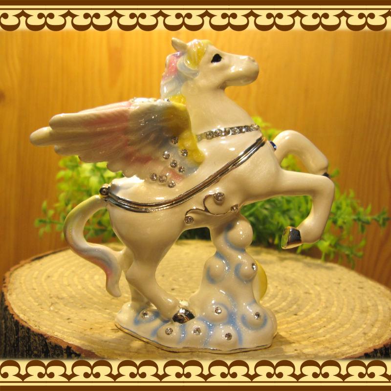 馬の置物 ペガサス 小物入れ ウマ うま ホース ギリシャ神話 ジュエリーケース 宝石箱 トリケンボックス インテリア