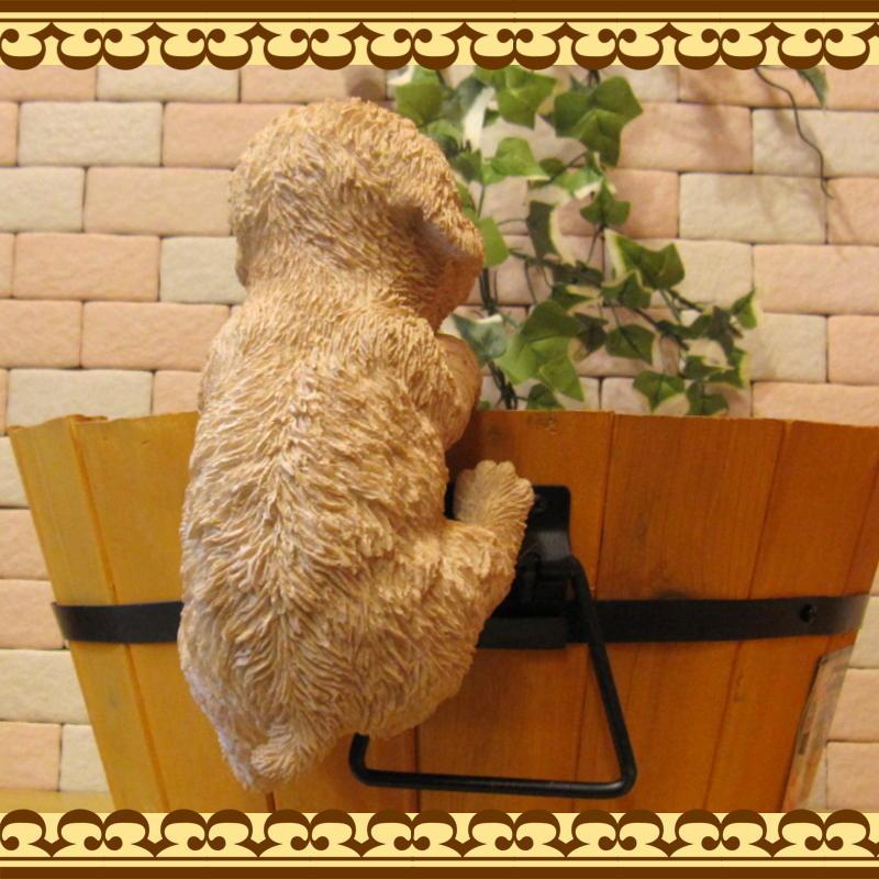 プードル 置物 リアルな犬のオブジェ ぶらさがりドッグ いぬのフィギア ◇お部屋のインテリアにお庭のオーナメントとしても♪