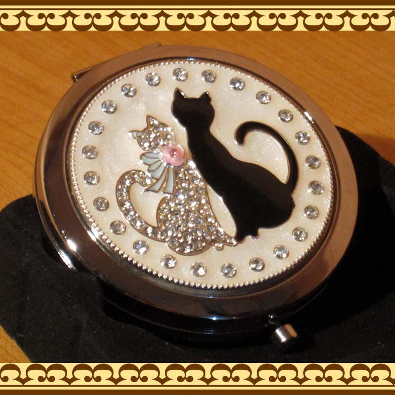 コンパクトミラー(手鏡) 二匹の寄り添うネコちゃんがキュート♪