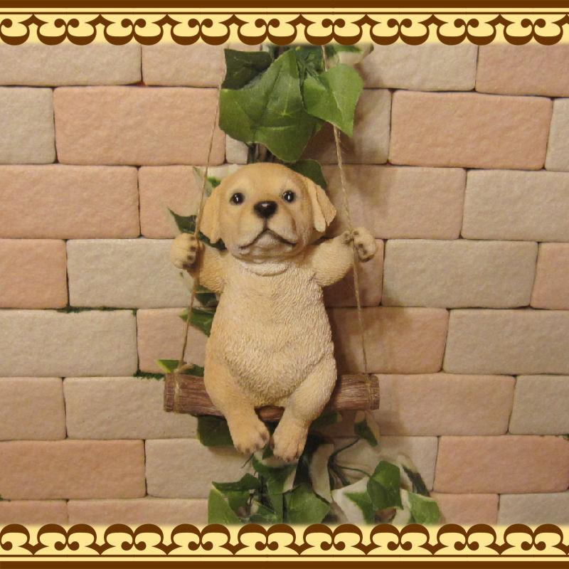 リアルな犬の置物 ブランコドッグ Bタイプ ラブラドールレトリバー いぬのフィギア イヌ ガーデン インテリア オーナメント◇お部屋のインテリアにお庭のオーナメントとしても♪
