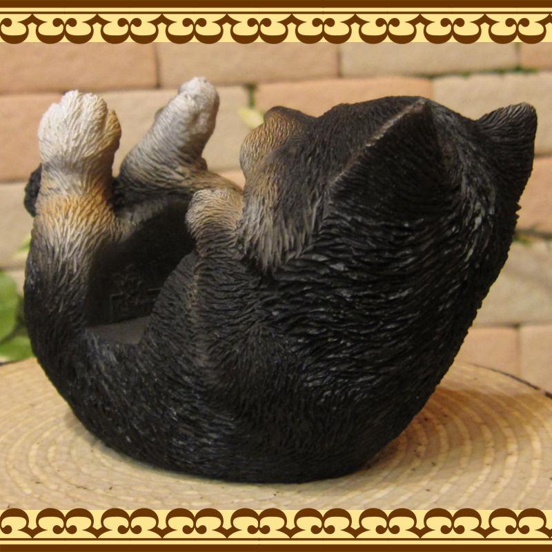 リアルな柴犬の置物 黒柴 スマホスタンド ドッグ お部屋のインテリアにお庭のオーナメントとしても♪  子いぬのフィギア ガーデニング オブジェ 玄関先