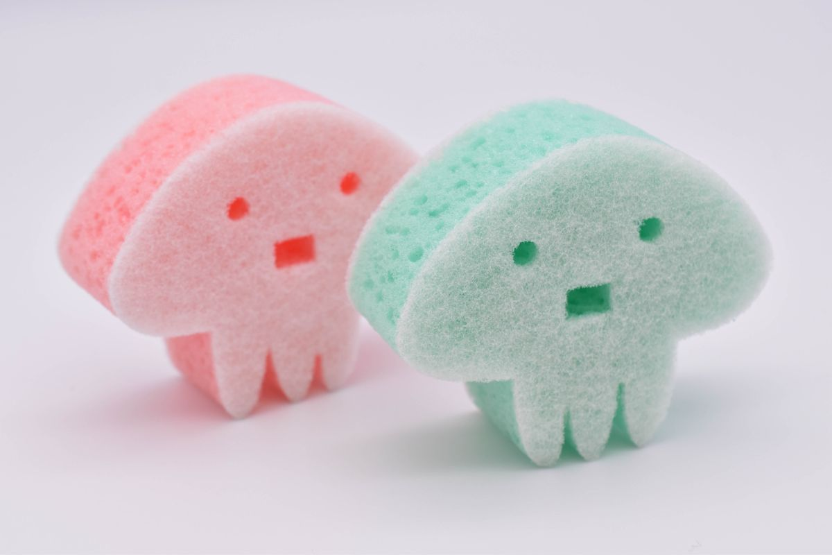 キッチンスポンジ(2個セット)/海を守るクラゲ 洗剤不要 簡単キレイ/日本製01【自分の時間】