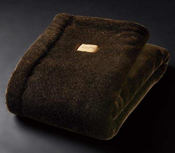 高級なめらか2枚合わせ毛布カルドニード・エリート掛け毛布