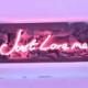 ネオン サイン、『 Just love me』NEON SIGNネオン管、ディスプレイ ボード、カフェ、喫茶店、広告用看板、クラブ及び娯楽場所等 インテリア アメリカン雑貨 43.2*17.8cm