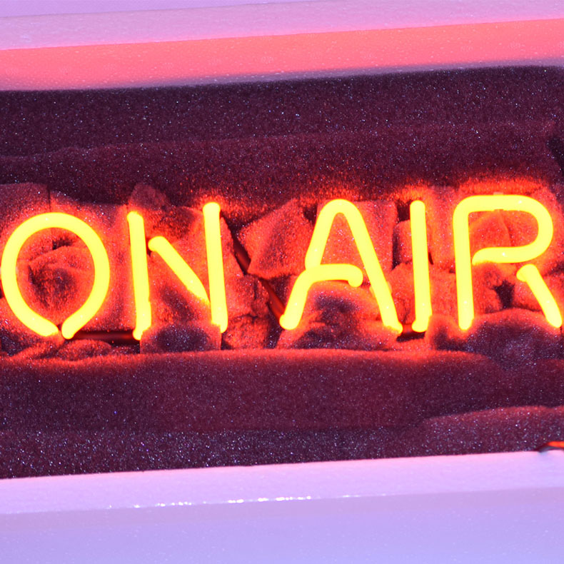 ネオン サイン、『ON AIR』NEON SIGNネオン管、ディスプレイ ボード、カフェ、喫茶店、広告用看板、クラブ及び娯楽場所等 インテリア アメリカン雑貨 30.5*10.2  cm