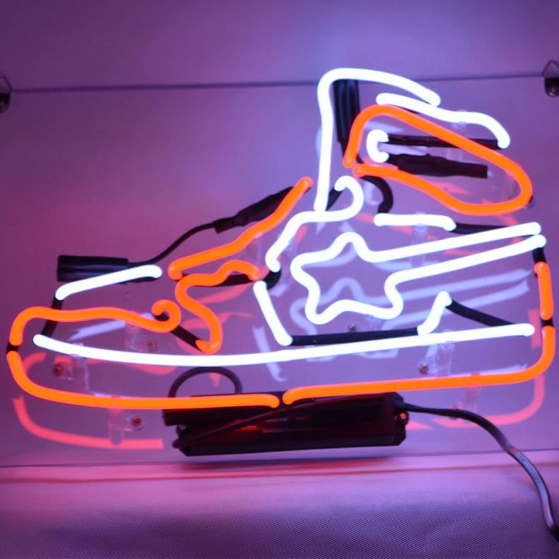 ネオン サイン、『靴』NEON SIGNネオン管、ディスプレイ ボード、カフェ、喫茶店、広告用看板、クラブ及び娯楽場所等 インテリア アメリカン雑貨 35.5*17.8  cm