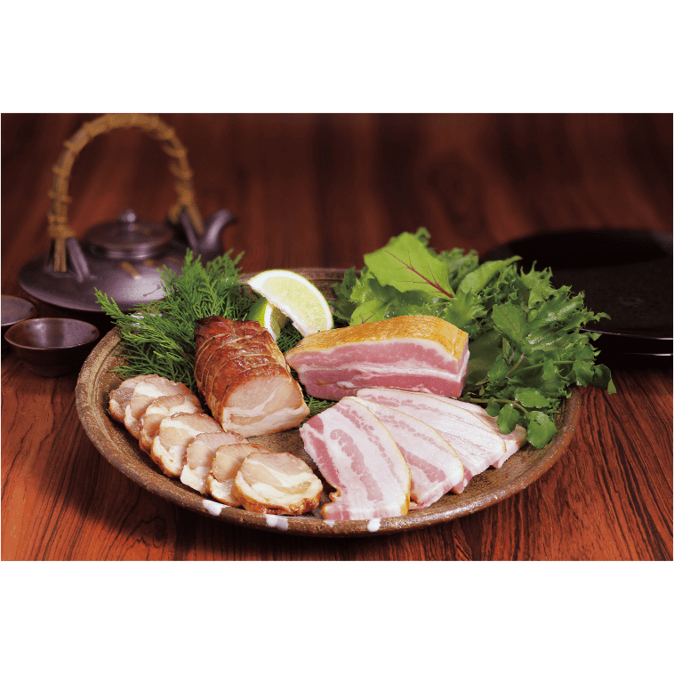 【送料無料】【コワダヤ】炭焼きスモークベーコンと黒豚炭焼き焼豚 各200g