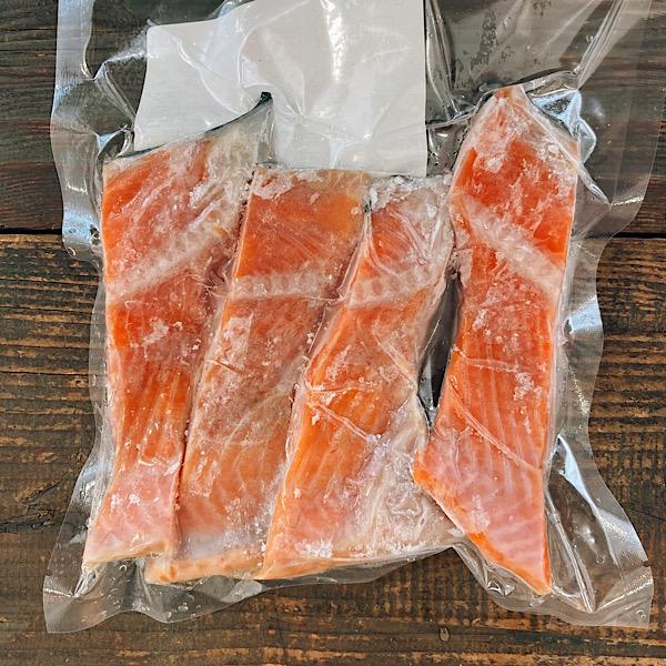 [三陸水産]厚切り 紅鮭カマ 300g【冷凍】