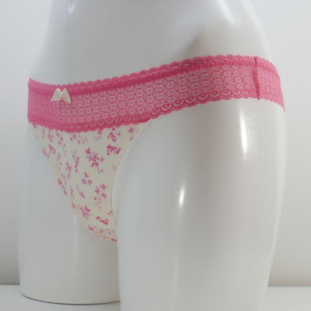 トリンプ Tバックショーツ   ピンク色 Mサイズ