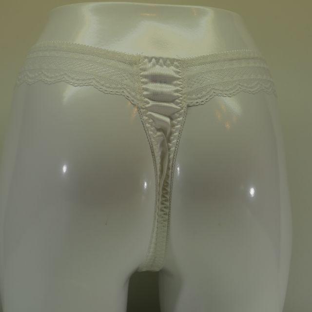セクシーTバックショーツ M.L.LL 白色