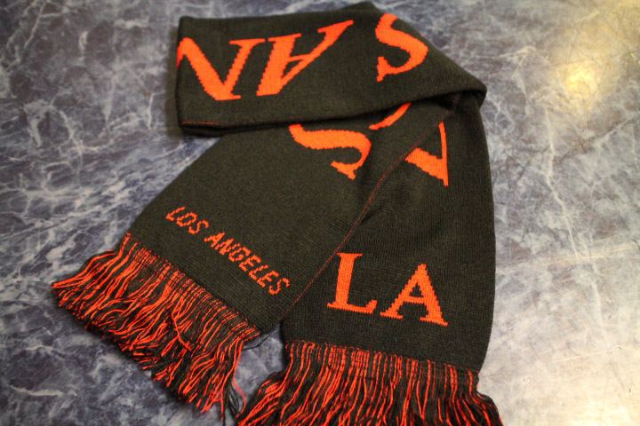 LOS ANGELES LA scarf マフラー / black&red