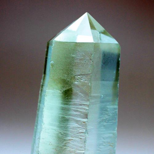 最高級水晶六角柱 175g 〔5053〕