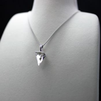 天然水晶ペンジュラム ピラミッド型 (答えを聞いてみよう) 〔0813〕