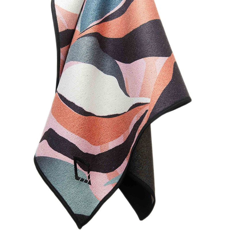68 LEAFY PINK HAND TOWEL