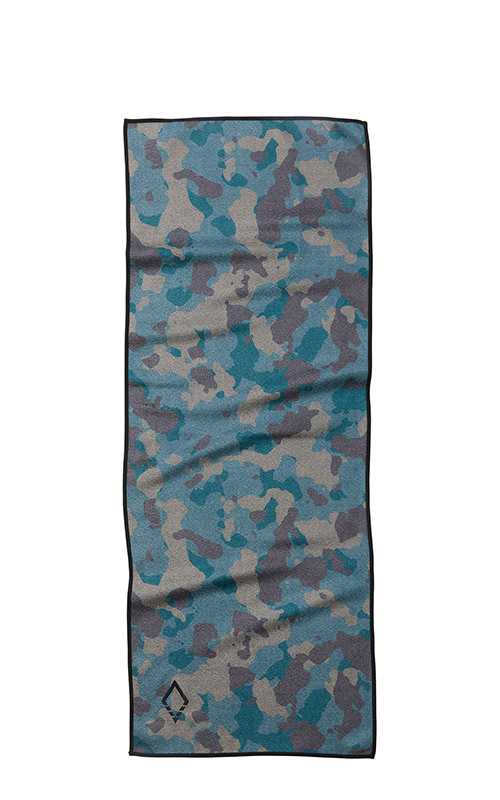 32 CAMO DO ANYTHING TOWEL