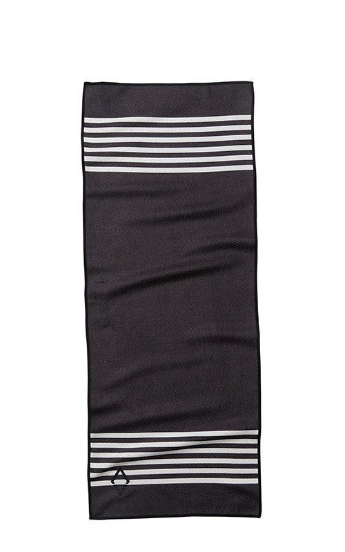 77 POOL SIDE BLACK DO ANYTHING TOWEL