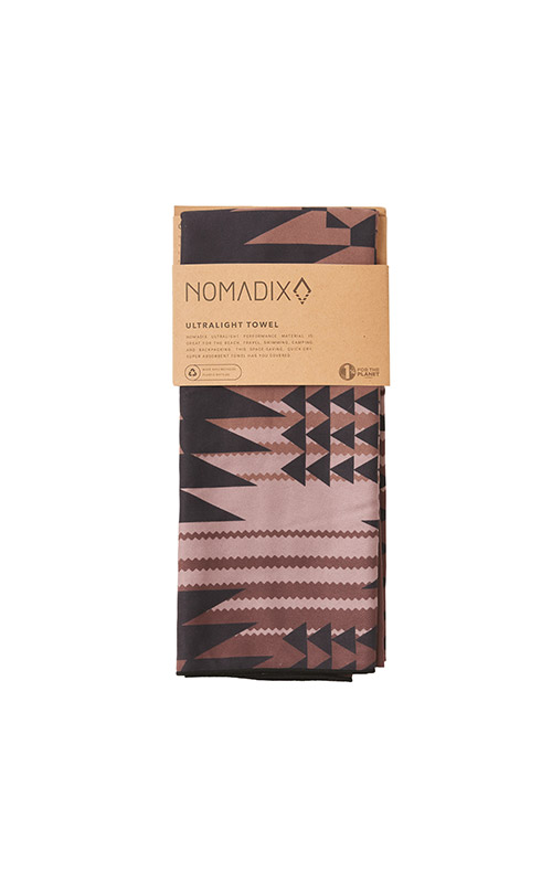 DAKOTA 53 PLUM ULTRALIGHT TOWEL