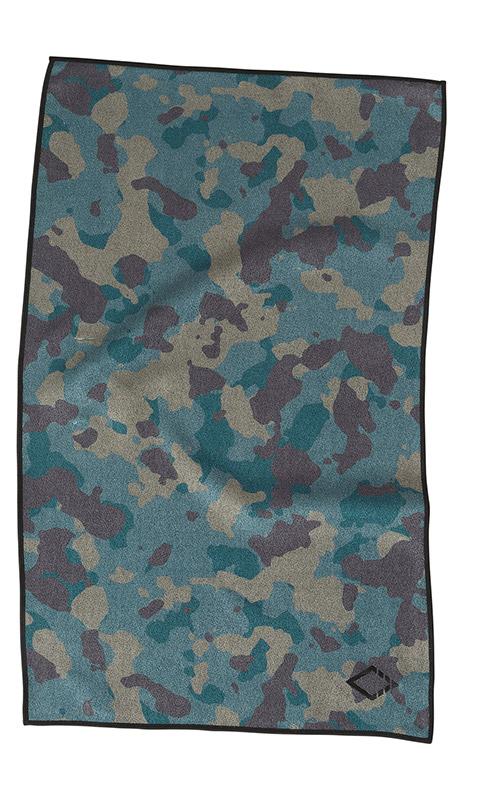 32 CAMO HAND TOWEL