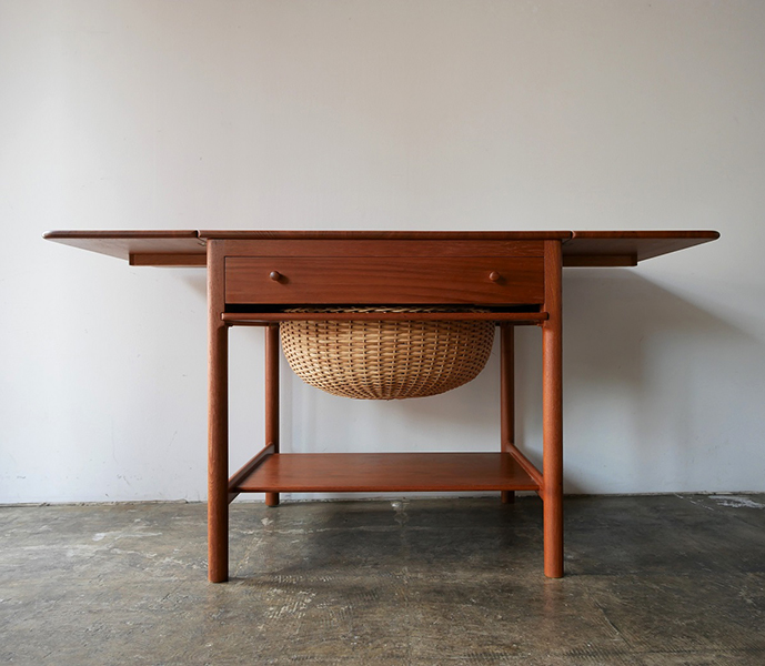 Sewing table PP-33 by Hans J.Wegner【お問い合わせ】