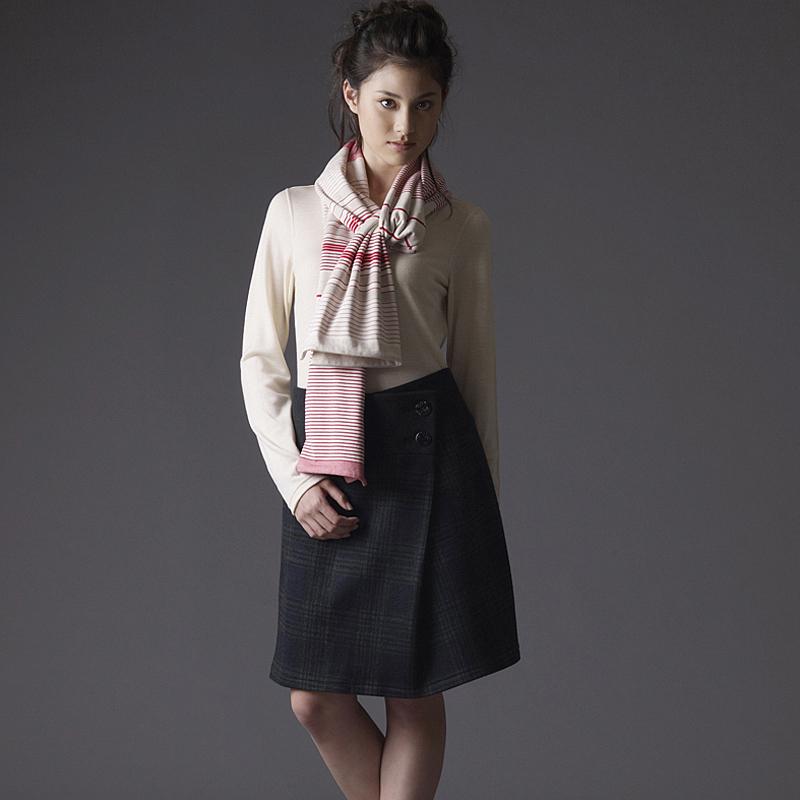 冬の圧縮ニットスカート