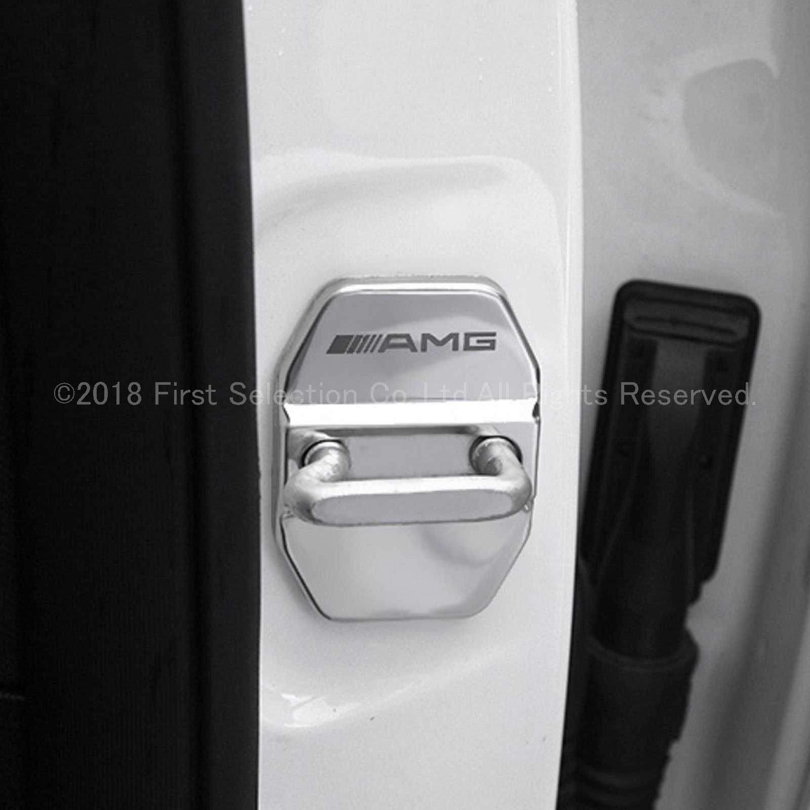 Mercedes-Benz ベンツ用 AMGロゴ 汎用金属製ドアストライカーカバー4ピース 鏡面シルバー