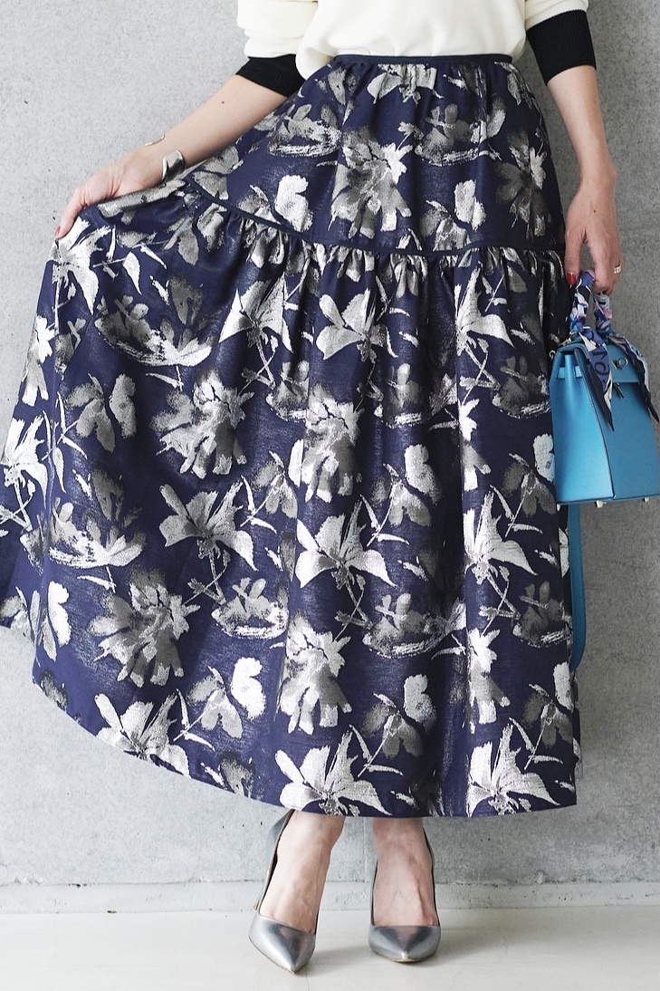 ネイビーシルバースカート
