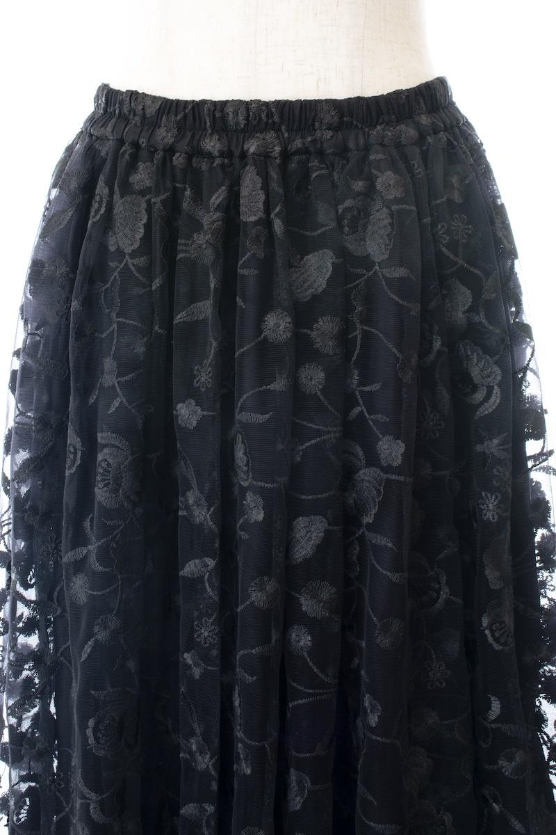 ブラックチュールスカート