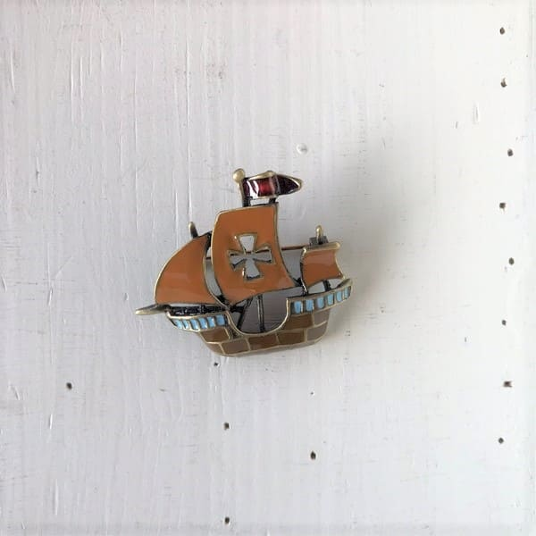 Lot No_SDH-0530-b / マリン雑貨 / マリン系 各種ブローチ イカリ、帆船