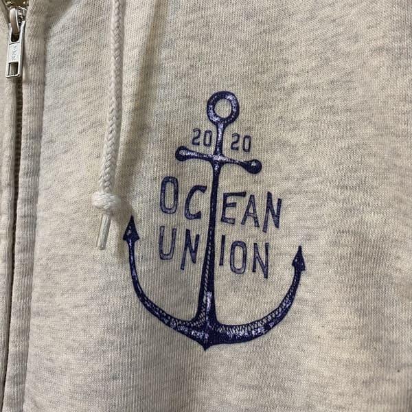 OCEAN UNION(オーシャンユニオン) /  胸ロゴジップパーカー