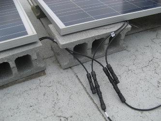 パネル2枚並列接続/T型コネクター